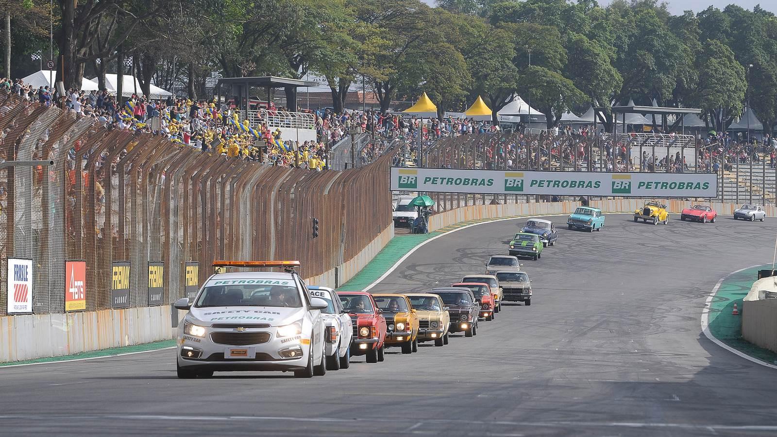 Stock Car e Clube do Opala de São Paulo - Desfile e Exposição de Opalas em Interlagos - Prova do Milhão realizada em 11/09/2016