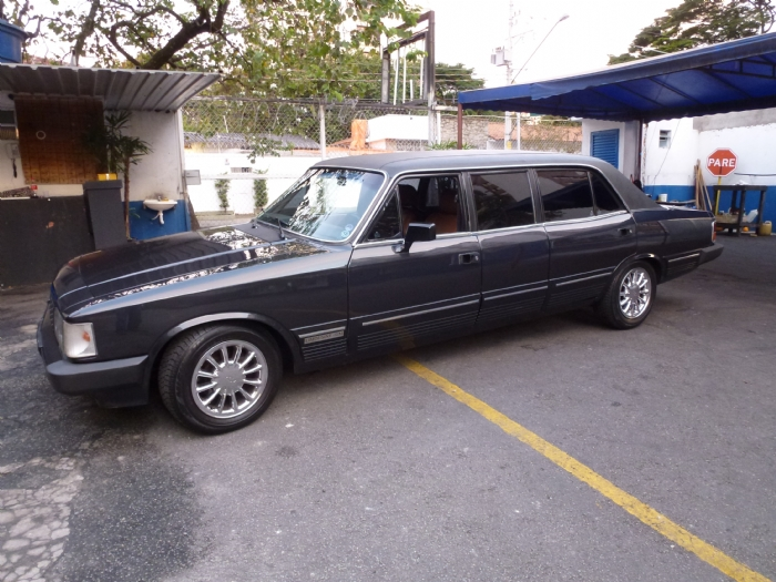 Associado Clube do Opala SP - Opala Diplomata Limousine 1988 Preto 6 Cilindros